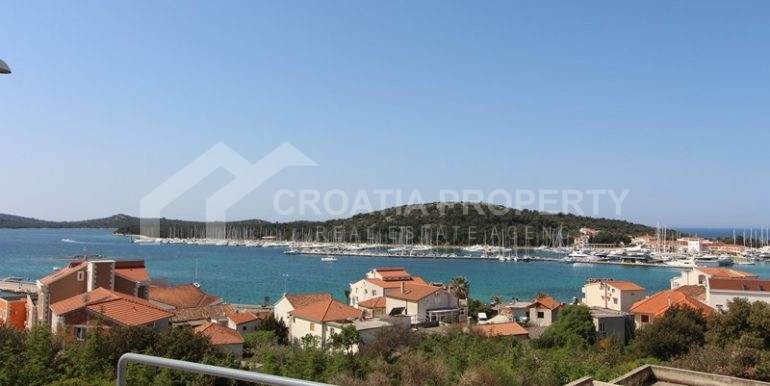 apartments sea view in Rogoznica (6)