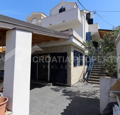 house for sale milna brac (1)