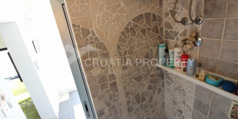 house for sale milna brac (10)