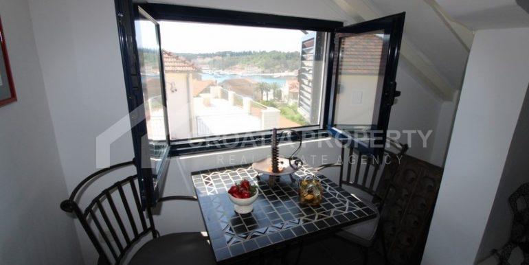 house for sale milna brac (12)