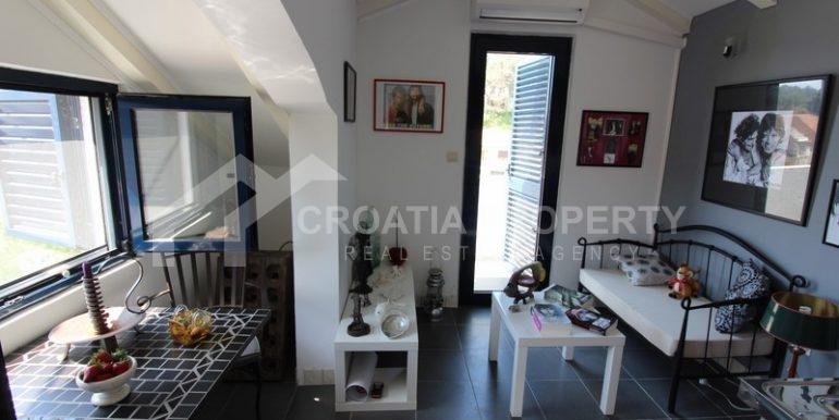 house for sale milna brac (13)