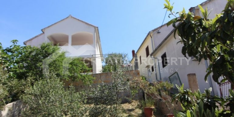 house for sale milna brac (15)