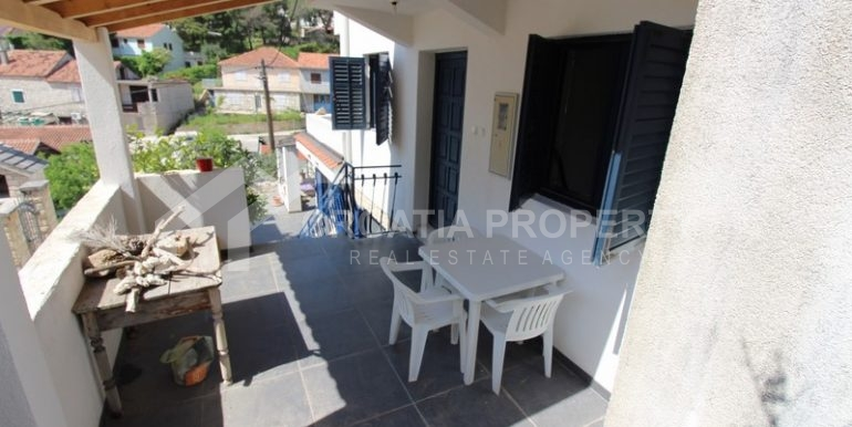 house for sale milna brac (16)