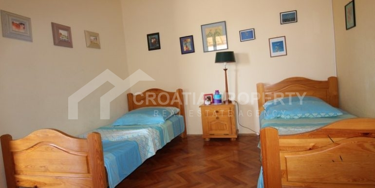 house for sale milna brac (18)