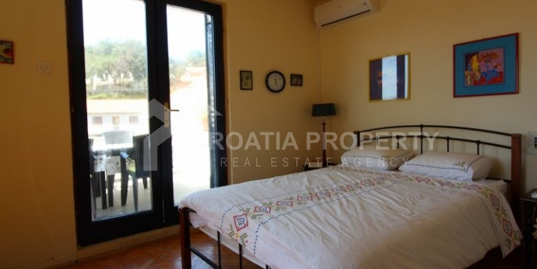 house for sale milna brac (19)