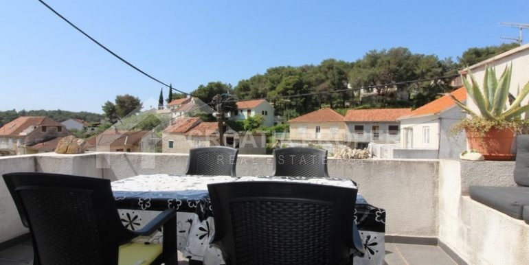 house for sale milna brac (21)