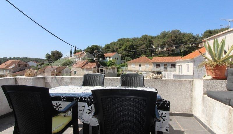 house for sale milna brac (21)