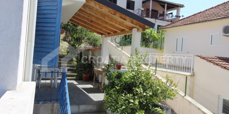 house for sale milna brac (23)