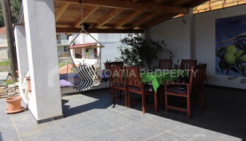 house for sale milna brac (26)