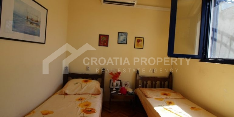 house for sale milna brac (29)