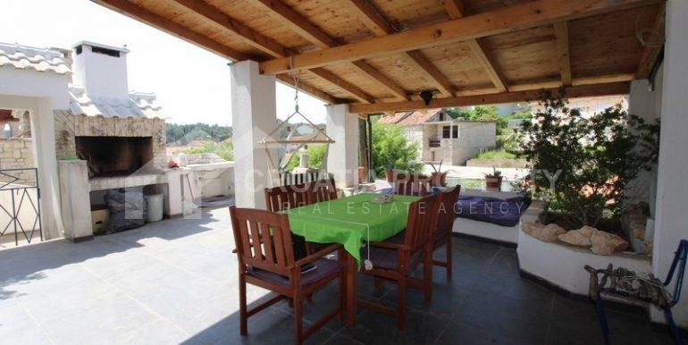 house for sale milna brac (32)