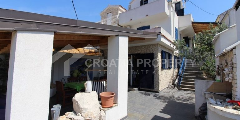 house for sale milna brac (35)