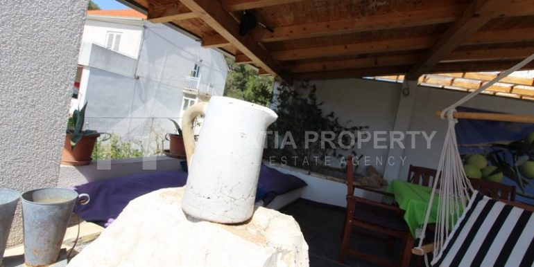 house for sale milna brac (37)