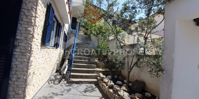 house for sale milna brac (38)