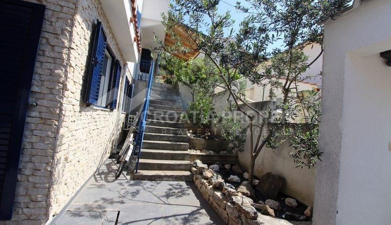 house for sale milna brac (38)