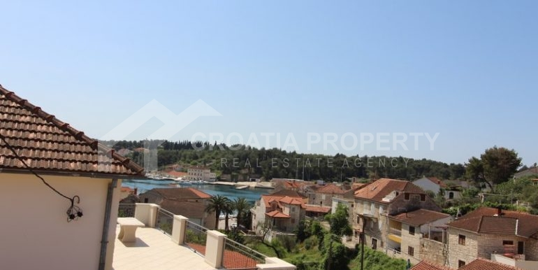 house for sale milna brac (4)