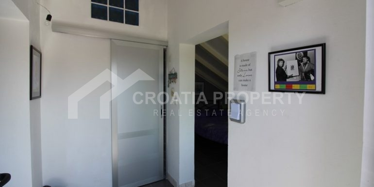 house for sale milna brac (5)