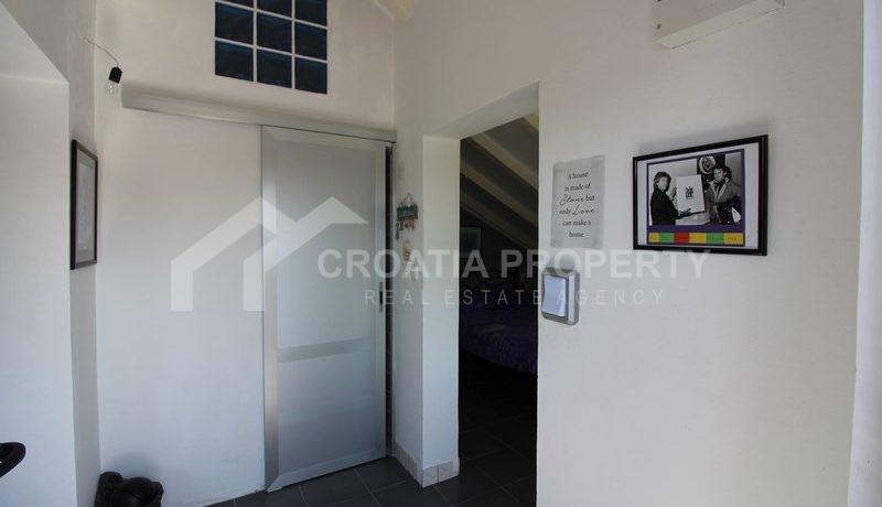house for sale milna brac (5)