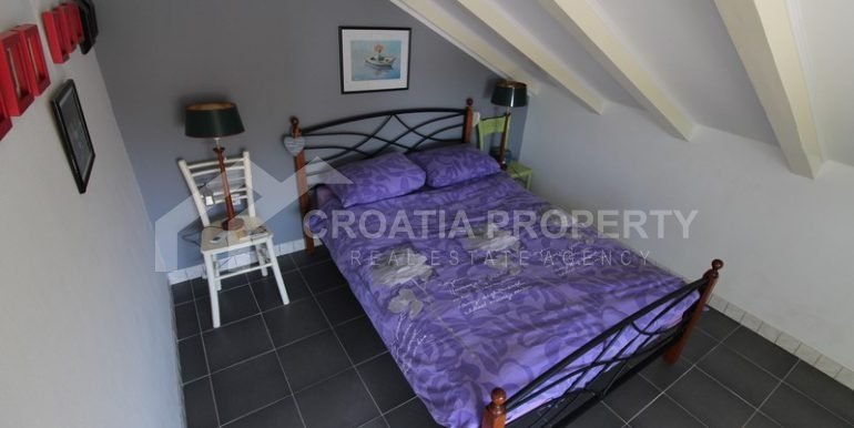 house for sale milna brac (6)