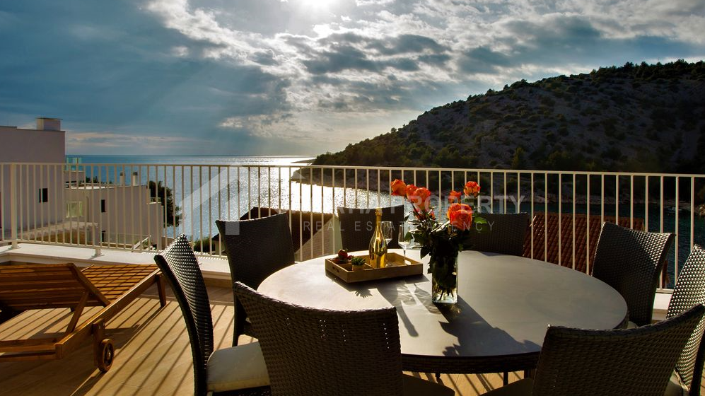 Villa for sale Croatia overlooking sea