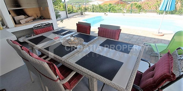 modern villa with pool and sea view Rogoznica (4)
