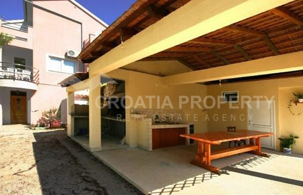 Detached house near sea Rogoznica (16)