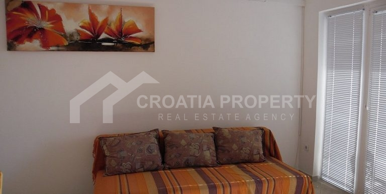 Detached house near sea Rogoznica (22)