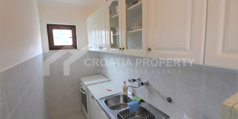 Detached seafront house Rogoznica (19)