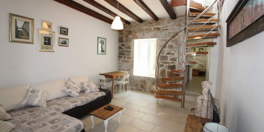 Stone house in center of Split for sale
