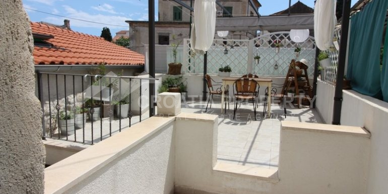 house for sale split (10)