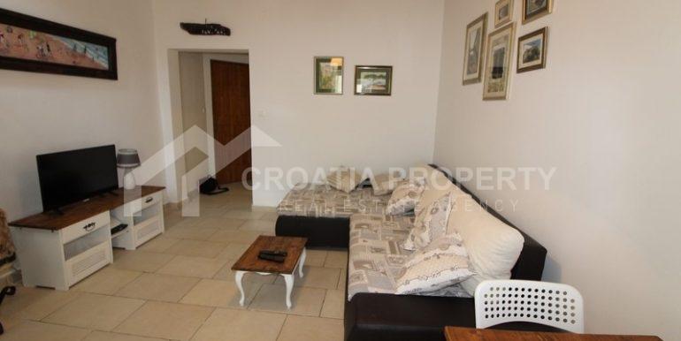 house for sale split (3)