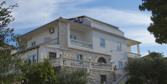 House near sea for sale Splitska Brac