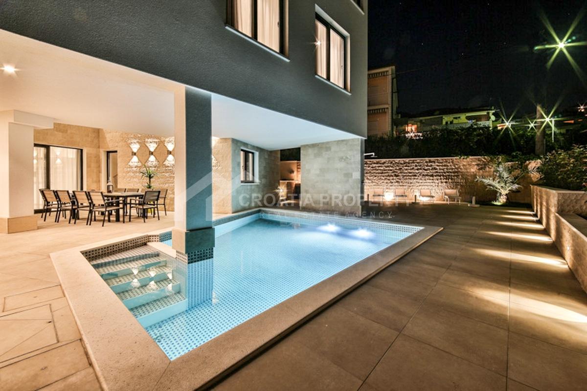 Moderna vila s bazenom prodaja Čiovo