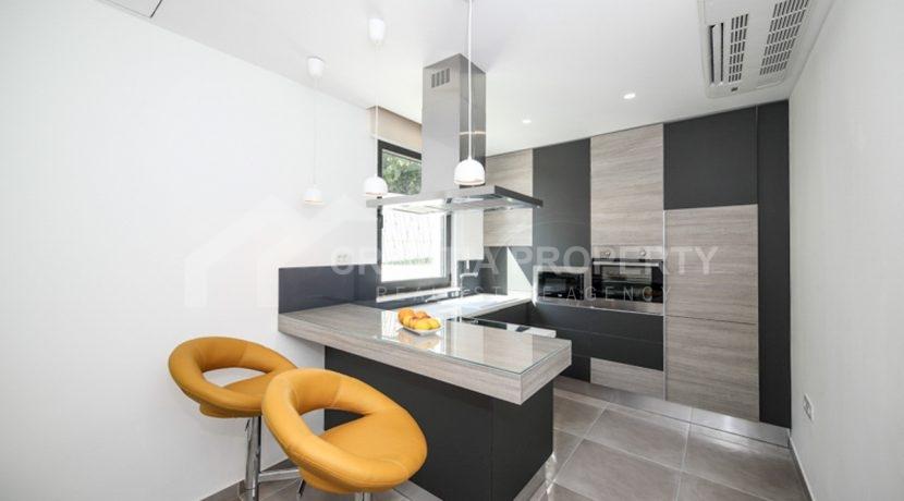modern house with pool Ciovo (2)