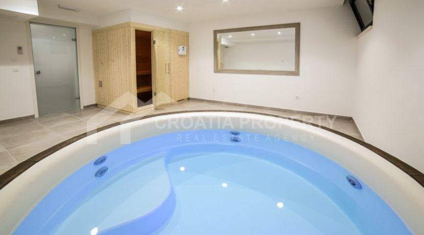 modern house with pool Ciovo (5)
