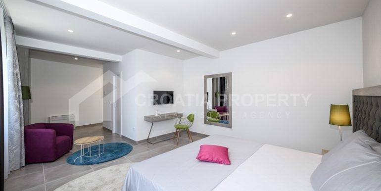 modern house with pool Ciovo (9)