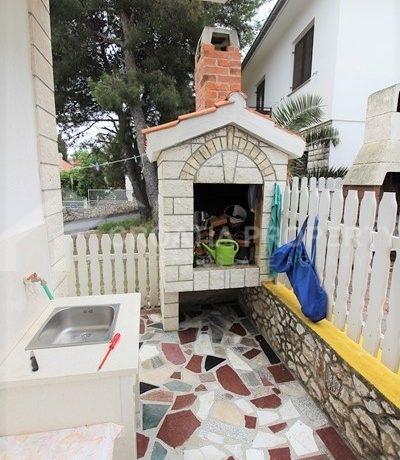 detached house near beach Rogoznica (12)