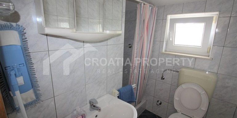 detached house near beach Rogoznica (15)