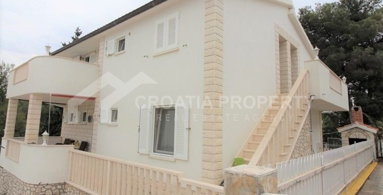 detached house near beach Rogoznica (19)