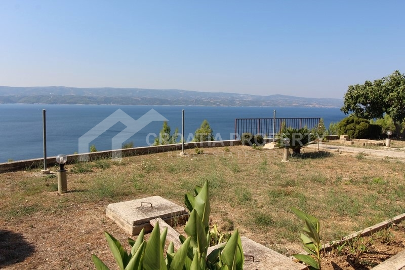 Properties for sale near Omis Croatia