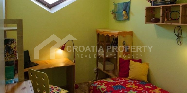 split apartment for sale (13)
