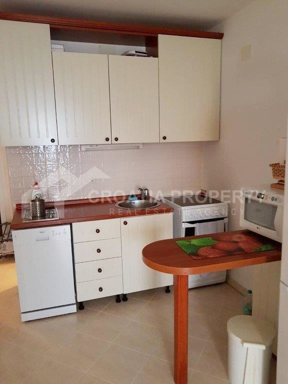 Apartment near sea for sale, Sutivan