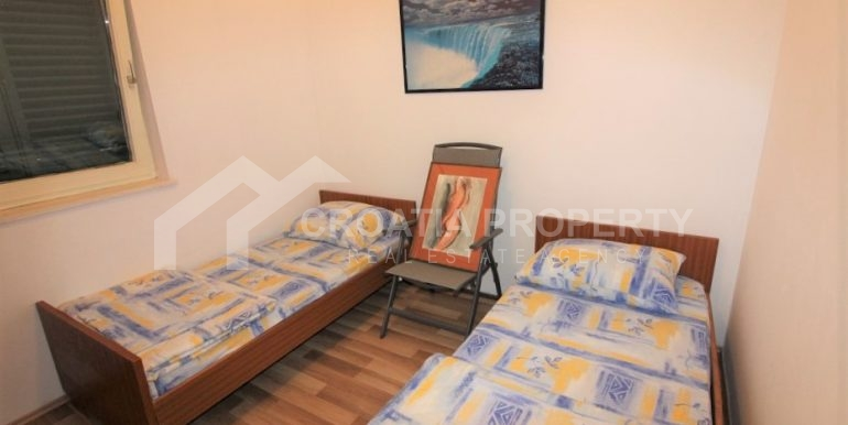 Apartment with garden and seaview Rogoznica (1)