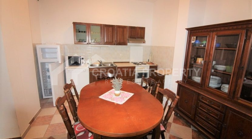 Apartment with garden and seaview Rogoznica (10)