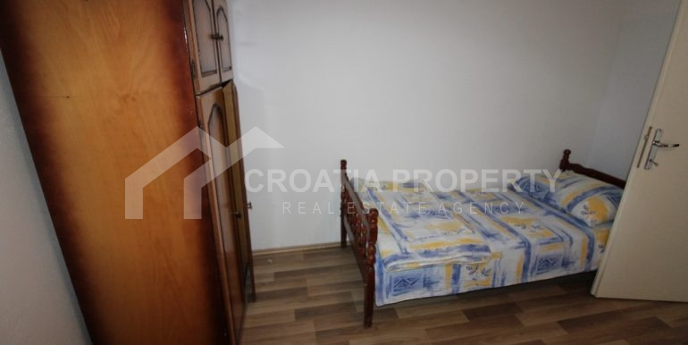 Apartment with garden and seaview Rogoznica (13)