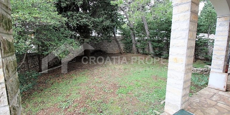 Apartment with garden and seaview Rogoznica (19)