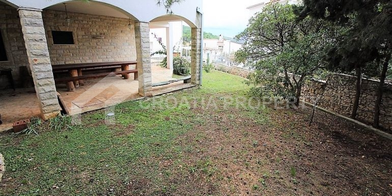 Apartment with garden and seaview Rogoznica (20)