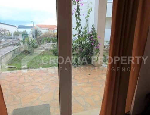 Apartment with garden and seaview Rogoznica (4)
