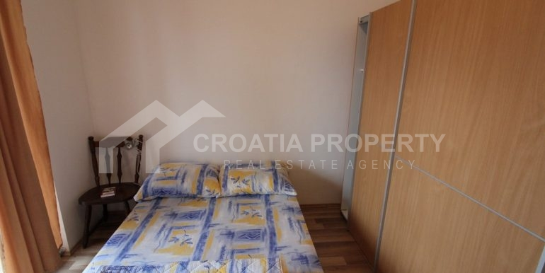 Apartment with garden and seaview Rogoznica (5)