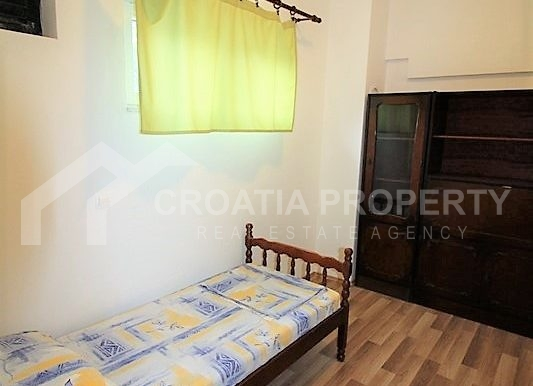 Apartment with garden and seaview Rogoznica (8)